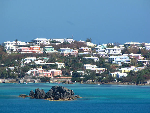 A good view of colorful Bermuda houses.